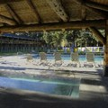 Swimming pool at Best Western Ponderosa Lodge