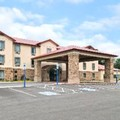 Exterior of Bethel Inn & Suites
