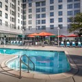 Swimming pool at Chicago Marriott Suites Deerfield