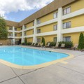 Swimming pool at Clarion Inn & Suites at Turkey Creek