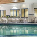 Swimming pool at Comfort Hotel & Suites