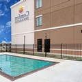 Swimming pool at Comfort Inn & Suites Zachary