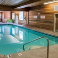 Swimming pool at Comfort Suites Linn County