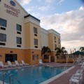 Exterior of Comfort Suites Vero Beach