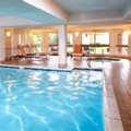 Swimming pool at Courtyard by Marriott Cleveland Airport South