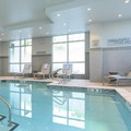 Swimming pool at Courtyard by Marriott Edgewater / Nyc Area
