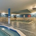 Swimming pool at Courtyard by Marriott Hartford Farmington