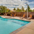 Swimming pool at Courtyard by Marriott Sacramento Midtown