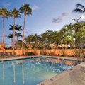 Swimming pool at Doubletree Hotel West Palm Beach Airport