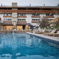 Swimming pool at Doubletree by Hilton Vail