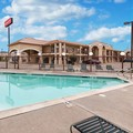 Swimming pool at Econo Lodge Hillsboro