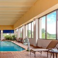 Swimming pool at Embassy Suites Columbia Greystone