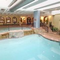 Swimming pool at Embassy Suites Kansas City Plaza