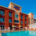 Swimming pool at Fairfield Inn & Suites by Marriott Visalia Tulare
