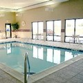 Swimming pool at Hampton Inn Lebanon
