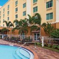 Swimming pool at Hampton Inn & Suites Miami South / Homestead