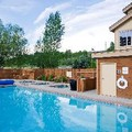 Swimming pool at Hampton Inn & Suites Steamboat Springs