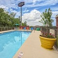 Swimming pool at Hampton Inn & Suites of Lebanon