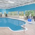 Swimming pool at Hawthorn Suites by Wyhdam