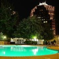 Swimming pool at Holiday Inn Country Club Plaza