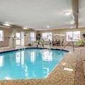 Swimming pool at Holiday Inn Express Newark / Heath