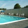 Swimming pool at Holiday Inn Express Springfield