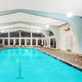 Swimming pool at Howard Johnson Newport Area / Middletown