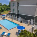 Swimming pool at La Quinta Inn & Suites Cleveland