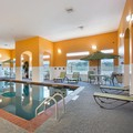 Swimming pool at La Quinta Inn & Suites Houston / Channelview