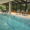 Swimming pool at Marriott Residence Inn