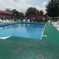 Swimming pool at Quality Inn New River Gorge