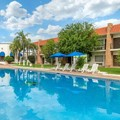 Swimming pool at Quality Inn Nuevo Laredo