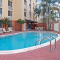 Swimming pool at Quality Inn & Suites Universal Studios