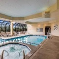 Swimming pool at Quality Suites Milwaukee Airport