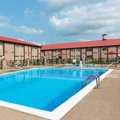 Swimming pool at Ramada Bowling Green Ky