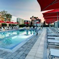 Swimming pool at Residence Inn Miami Beach Surfside