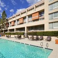 Swimming pool at Sheraton Agoura Hills Hotel