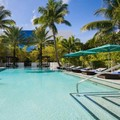 Swimming pool at Tideline Ocean Resort & Spa Palm Beach a Kimpton