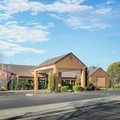Swimming pool at Vacaville Courtyard Marriott