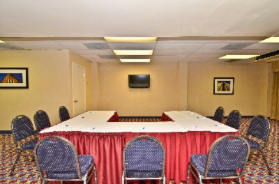 Comfort Inn & Suites Meeting Space Thumbnail 1