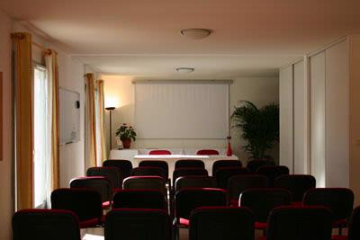 SALLE SEMINAIRE ALBATROS Meeting Space Thumbnail 3