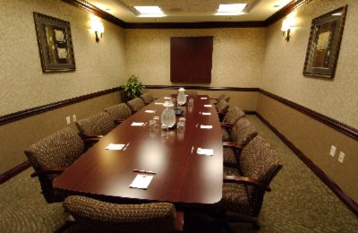 Holiday Inn Express & Suites Board Room Meeting Space Thumbnail 1