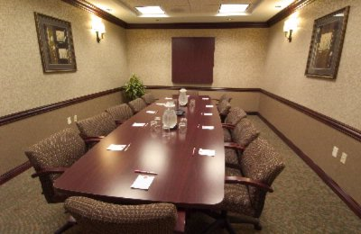 Holiday Inn Express & Suites Board Room Meeting Space Thumbnail 2