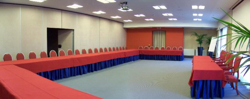 Sala Cima Meeting Room Meeting Space Thumbnail 2