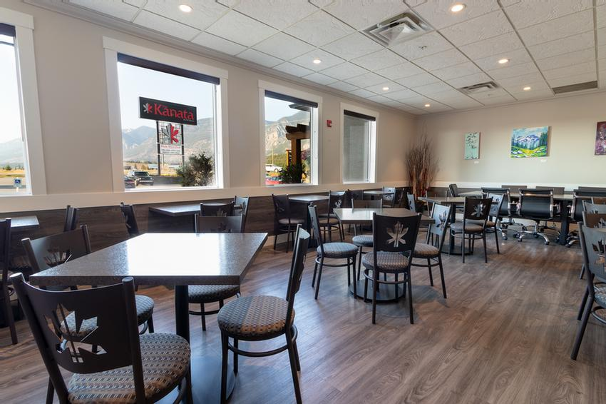 Photo of Common area off of lobby - Breakfast area room