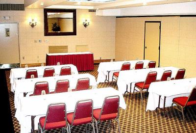 1 Bay of Ballroom Meeting Space Thumbnail 1