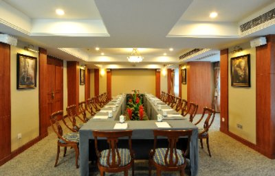 Multi-function room Meeting Space Thumbnail 3
