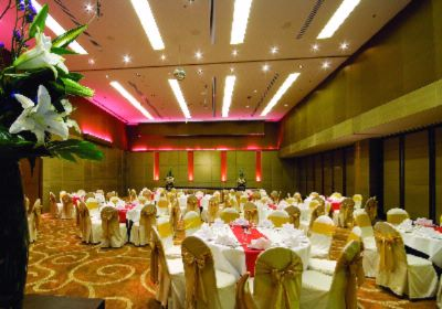 The Eastin Grand Ballroom Meeting Space Thumbnail 1