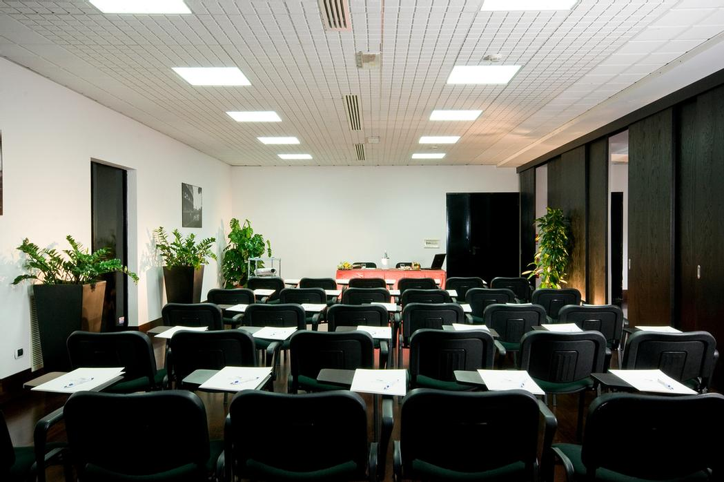 Photo of Excel Magnum Meeting Room