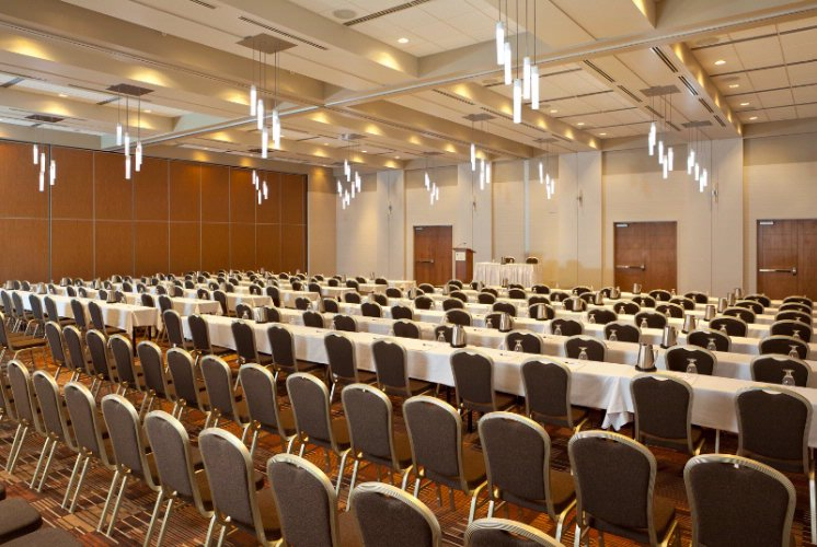 Les Plaines Ballroom Meeting Space Thumbnail 1
